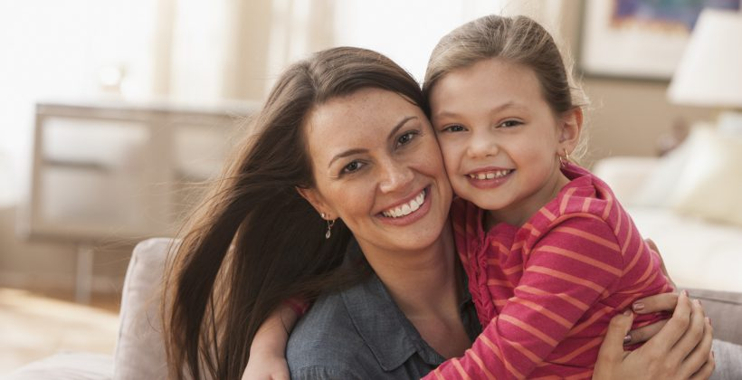 Mamelor, părinților, uitați-vă des și de aproape la dinții copiilor dumneavoastră … și nu numai!